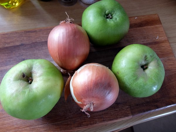 Make Apple and Onion Chutney