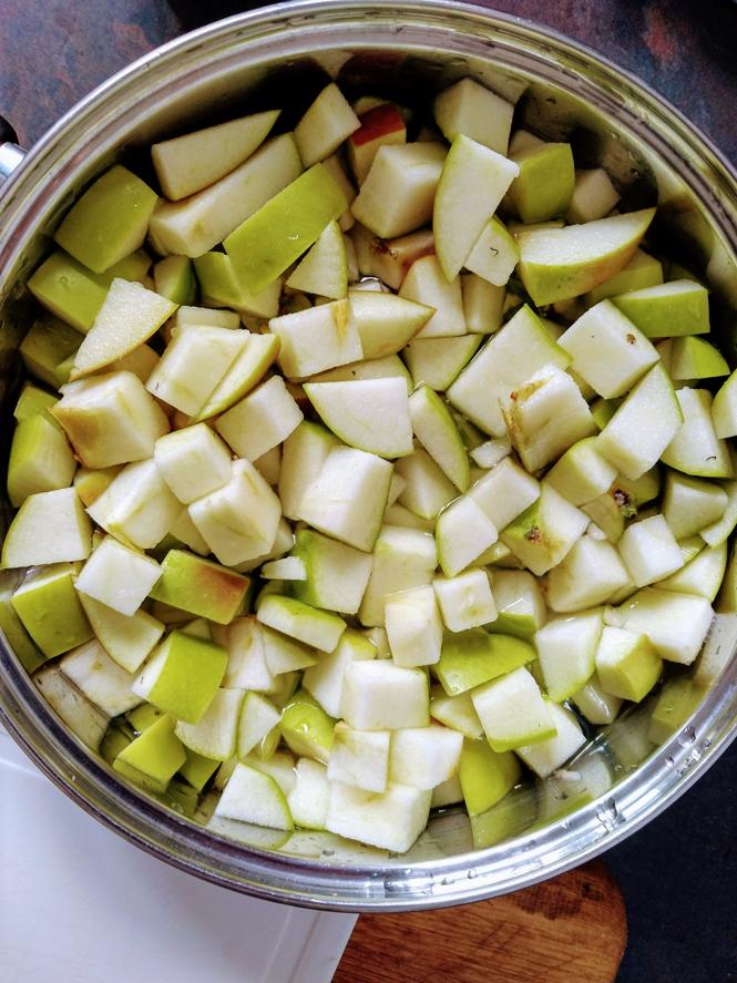 Cooking Apple Jelly